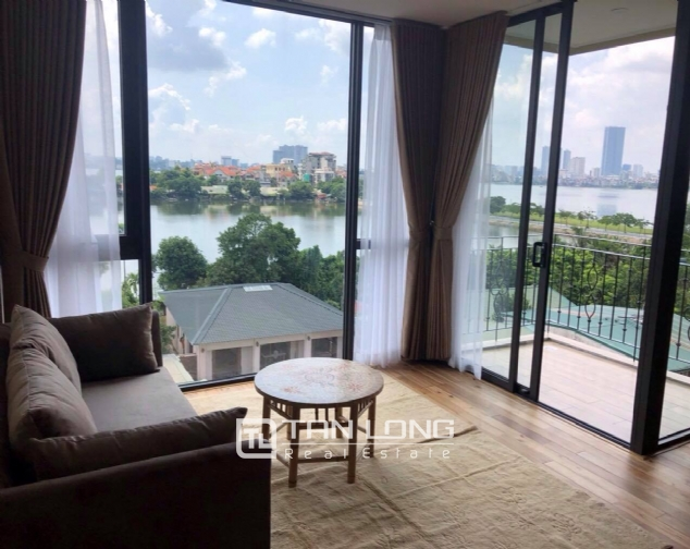 Modern and bright apartment for rent in Xom Chua, Dang Thai Mai street, Tay Ho distr 4