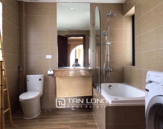 Modern and bright apartment for rent in Xom Chua, Dang Thai Mai street, Tay Ho distr 9