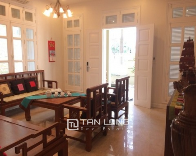 Modern and bright villa for rent with non furnished in T4, Ciputra 3