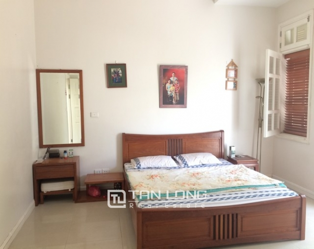 Modern and bright villa for rent with non furnished in T4, Ciputra 6
