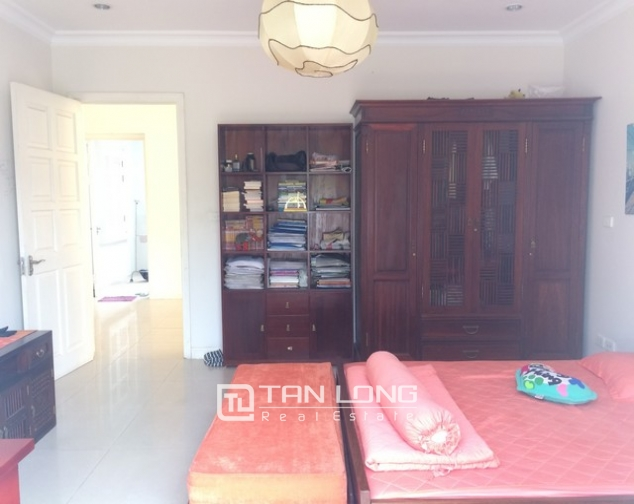 Modern and bright villa for rent with non furnished in T4, Ciputra 10