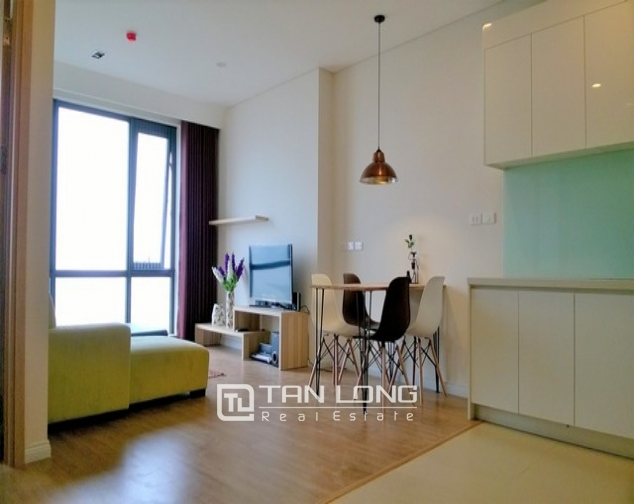 Modern and nice 2 bedroom apartment for rent in Mipec Riverside, Long Bien district 6