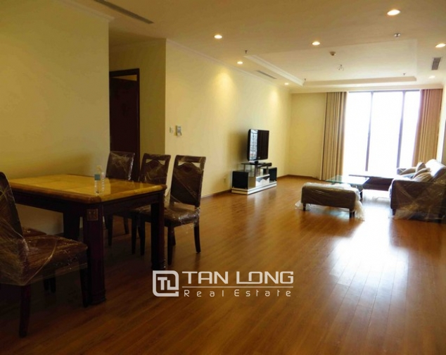Modern apartment in Vinhomes Nguyen Chi Thanh Street, Dong Da district, Hanoi for lease 2