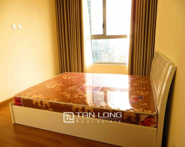 Modern apartment in Vinhomes Nguyen Chi Thanh Street, Dong Da district, Hanoi for lease 4