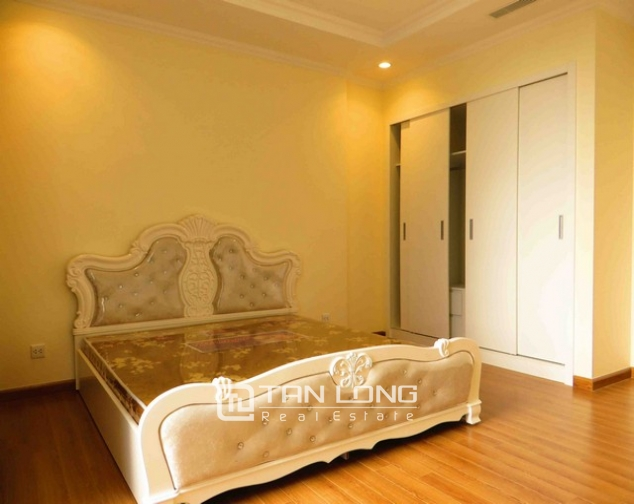 Modern apartment in Vinhomes Nguyen Chi Thanh Street, Dong Da district, Hanoi for lease 6