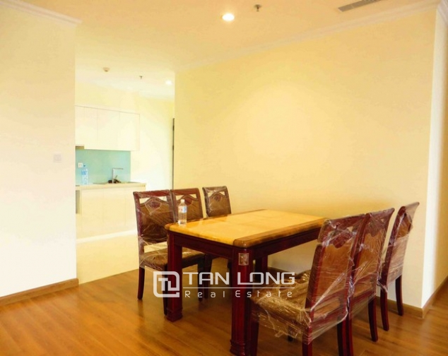 Modern apartment in Vinhomes Nguyen Chi Thanh Street, Dong Da district, Hanoi for lease 9