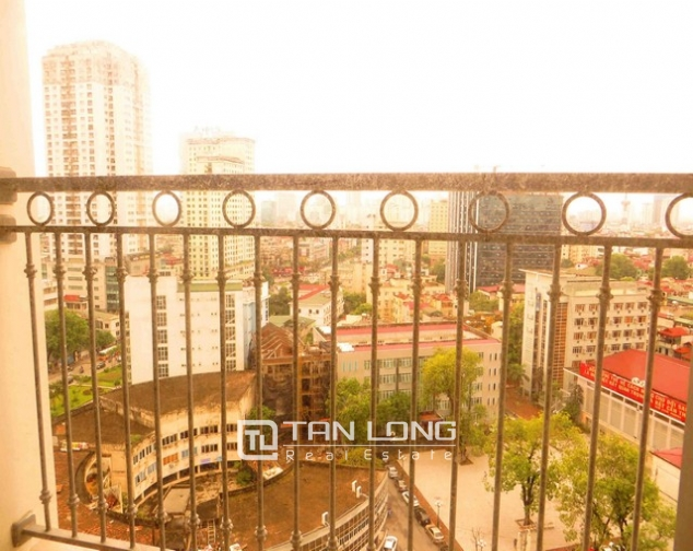 Modern apartment in Vinhomes Nguyen Chi Thanh Street, Dong Da district, Hanoi for lease 3