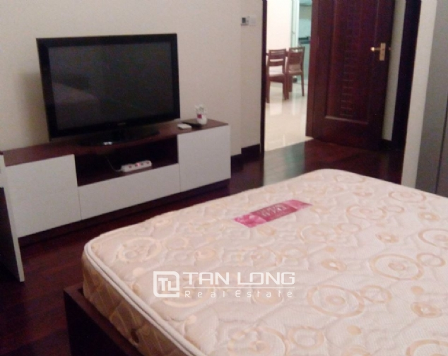 Modern apartment to rent in R2 Royal City Hanoi, 2 bedrooms 6