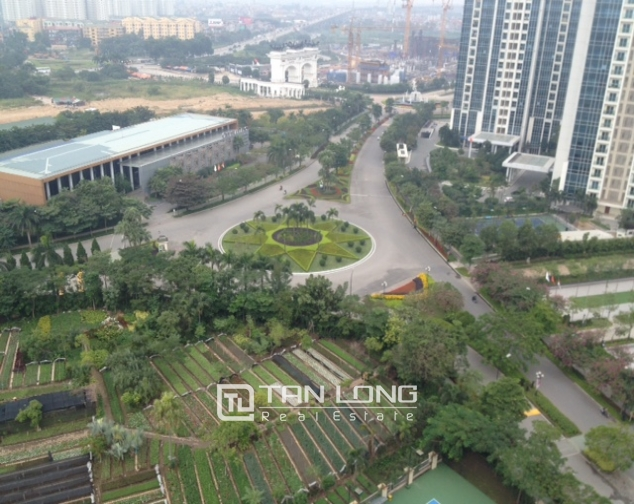 Modern apartment with 3 bedrooms to sell in P1 Ciputra, no furnishing 9