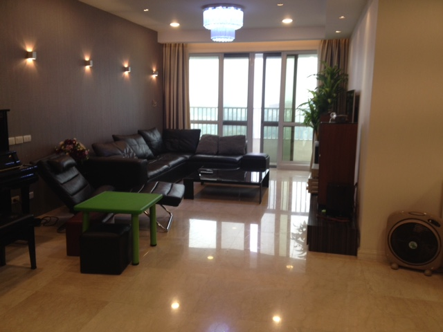 Modern apartment with 3 beds/ 2 baths for sale in P2 Ciputra, Tay Ho, Hanoi