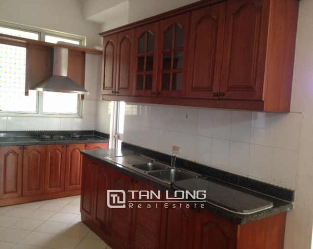 Modern, basic furnished 3 bedroom apartment for sale in G3 Ciputra Hanoi 3