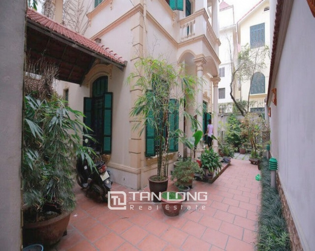 Modern designed house rental in Tay Ho district, Hanoi. 3