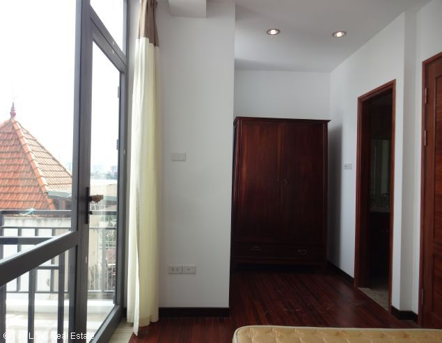 Modern duplex apartment with 2 bedrooms for rent in Dang Thai Mai, Tay Ho, Hanoi 3