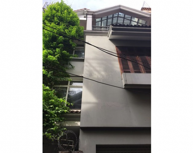 Modern house with 4.5 storey for lease in Au Co, beautiful lake view from terrace 3