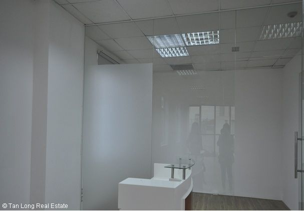 Modern office for rent in Duong Lang street, Dong Da district 3