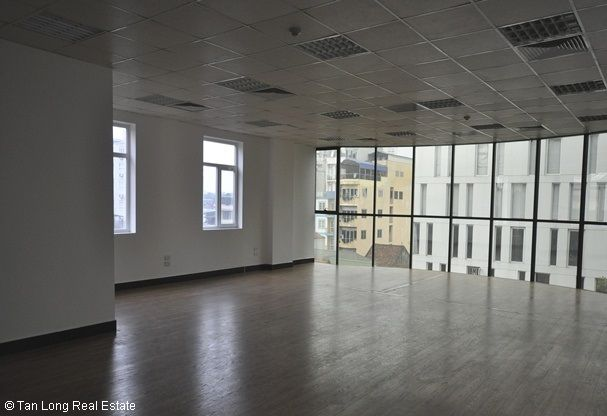 Modern office for rent in Duong Lang street, Dong Da district 4