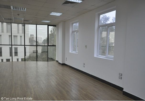 Modern office for rent in Duong Lang street, Dong Da district 5