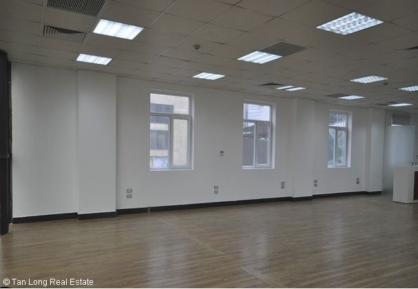 Modern office for rent in Duong Lang street, Dong Da district 6