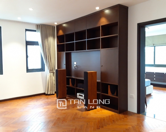 Modern single villa for rent in one of the hottest urban in Tay Ho Tay - Starlake! 4