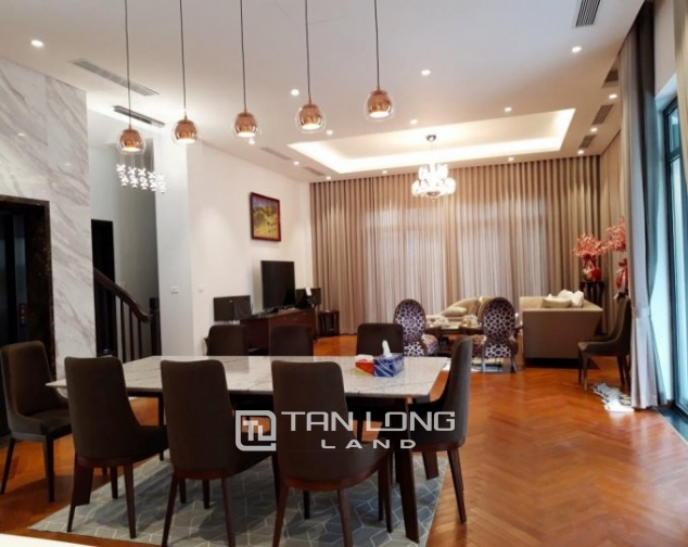 Modern single villa for rent in one of the hottest urban in Tay Ho Tay - Starlake! 5