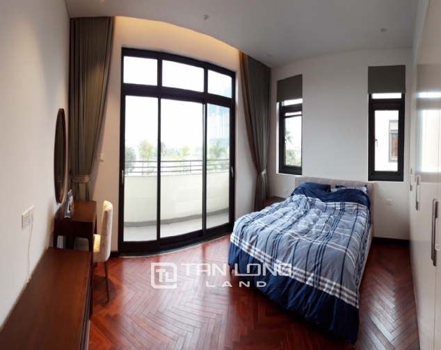 Modern single villa for rent in one of the hottest urban in Tay Ho Tay - Starlake! 1
