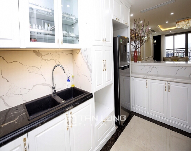 Neoclassical 3 bedroom apartment in De Le Roi Soleil Quang An 3