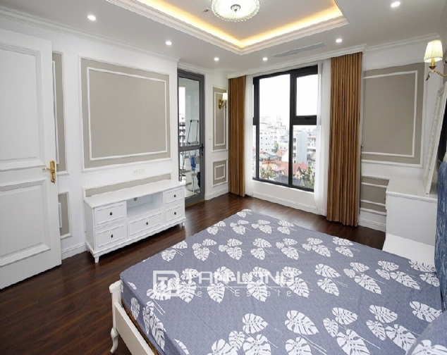 Neoclassical 3 bedroom apartment in De Le Roi Soleil Quang An 6