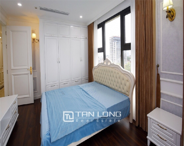 Neoclassical 3 bedroom apartment in De Le Roi Soleil Quang An 9