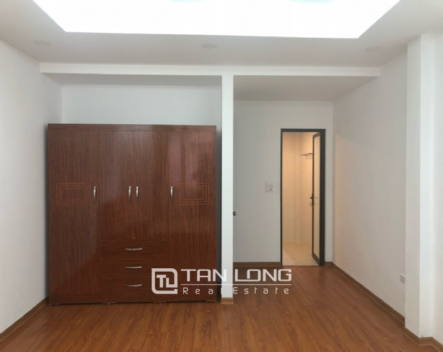 New house for rent in Dang Thai Mai street, Tay Ho district! 8