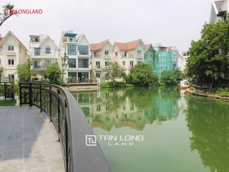 NEW VILLAS FOR RENT IN VINHOMES RIVERSIDE - LONG BIEN DISTRICT 2