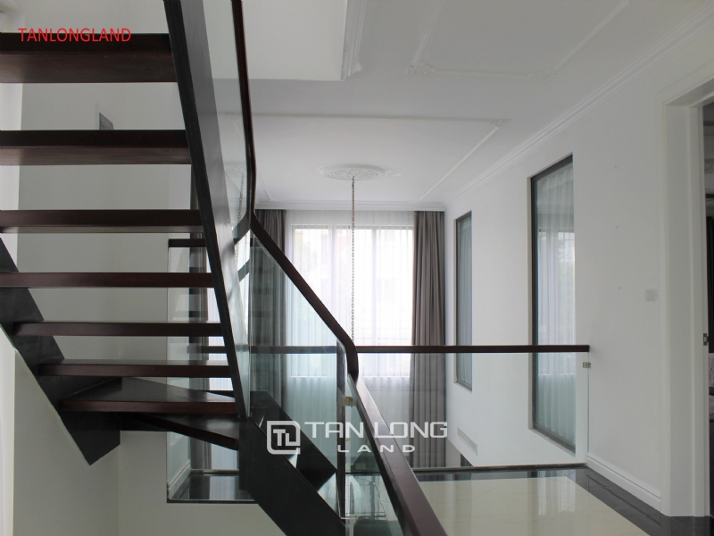 NEW VILLAS FOR RENT IN VINHOMES RIVERSIDE - LONG BIEN DISTRICT 8