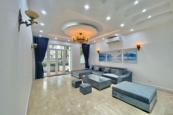 NEWLY MODERN RENOVATED VILLA FOR RENT IN T7 ZONE CIPUTRA