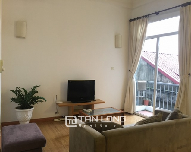 Nice 1 bedroom apartment on Yen Hoa Street, Tay Ho district 1