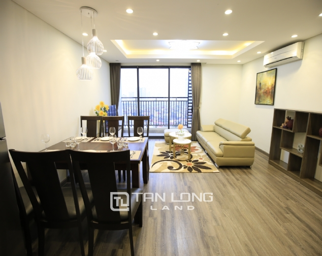 Nice 2 bedorom apartment for rent in Hong Kong Tower 1