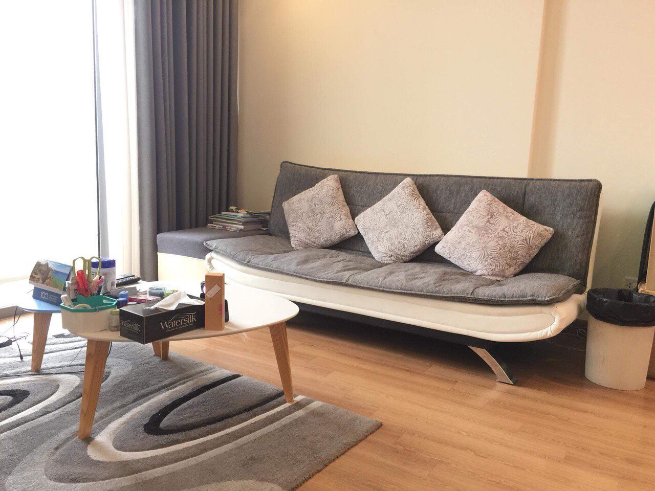 Nice 2 bedroom apartment for rent on 12nd floor Vinhomes Nguyen Chi Thanh