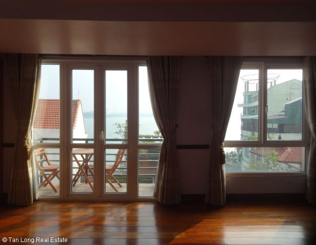 Nice 2 bedroom apartment with Westlake view for rent in Yen Phu, Tay Ho, Hanoi 6