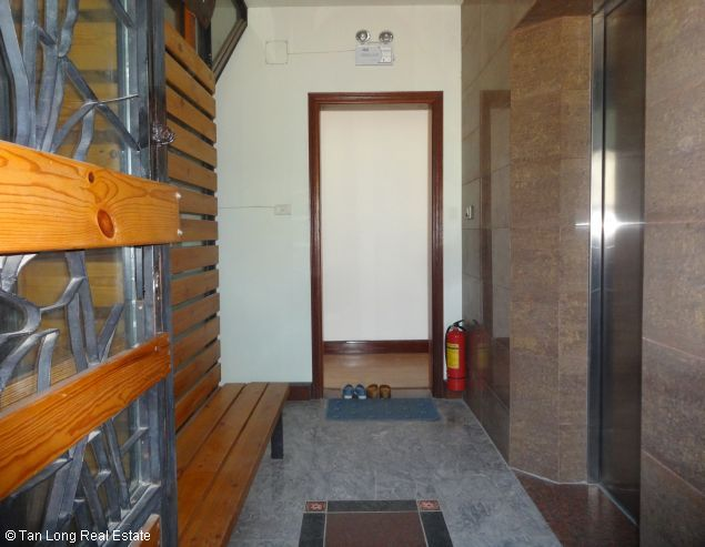 Nice 2 bedroom apartment with Westlake view for rent in Yen Phu, Tay Ho, Hanoi 3