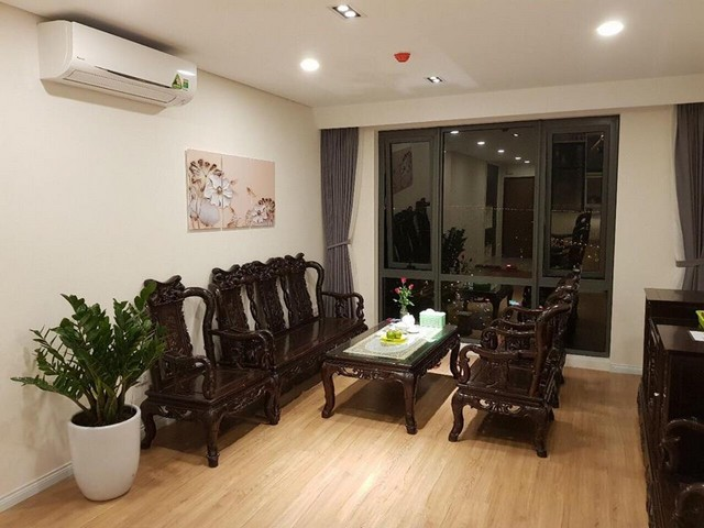 Nice 2 bedroom full furnished apartment for rent in Mipec Riverside Long Bien