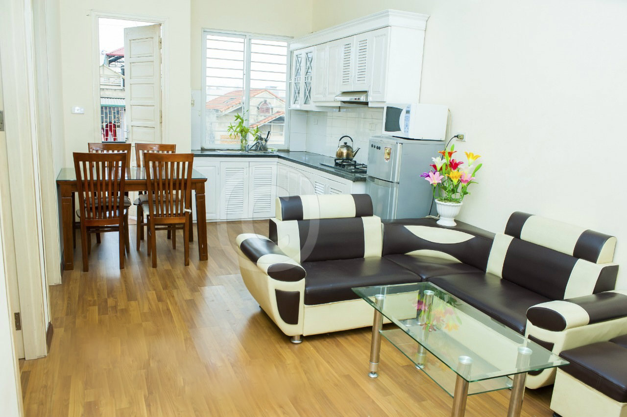 2 bedroom serviced apartment with balcony for rent in Nguyen Khang, Cau Giay dist