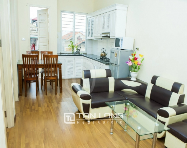 Nice 2 bedroom serviced apartment for rent in Nguyen Khang, Cau Giay dist 1