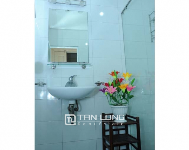 Nice 2 bedroom serviced apartment for rent in Nguyen Khang, Cau Giay dist 4