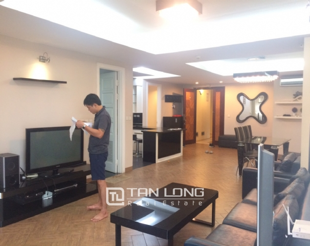 Nice 3 bedroom apartment for rent in E4 Ciputra 1