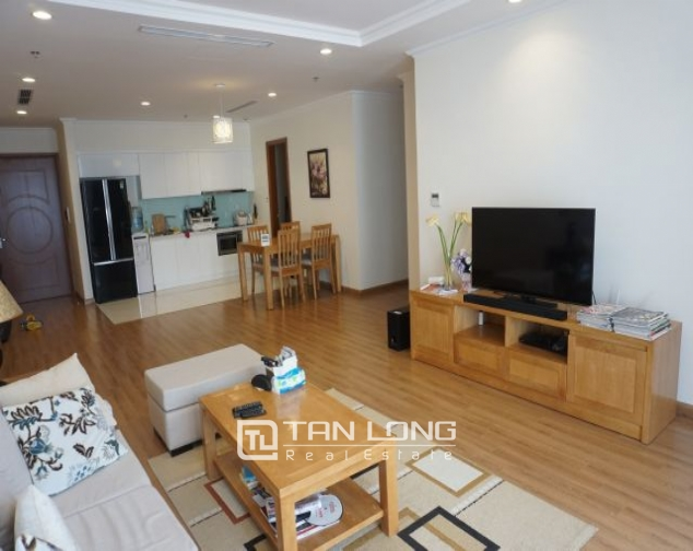 Nice 3 bedroom apartment for rent in Vinhomes Nguyen Chi Thanh 3