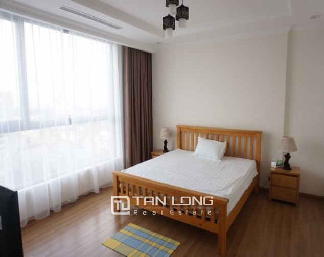 Nice 3 bedroom apartment for rent in Vinhomes Nguyen Chi Thanh 5