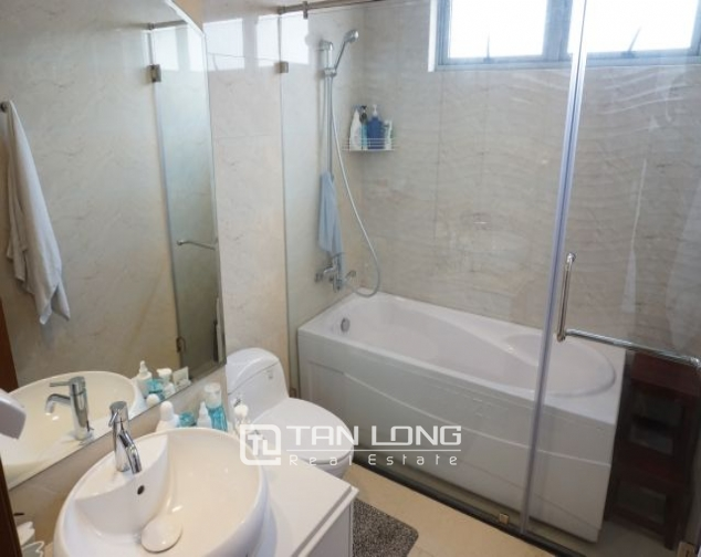 Nice 3 bedroom apartment for rent in Vinhomes Nguyen Chi Thanh 8