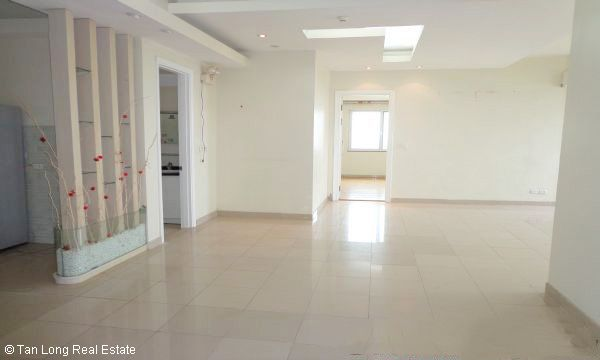 Nice 3 bedroom apartment for sale in E4 Ciputra, Tay Ho, Hanoi 2