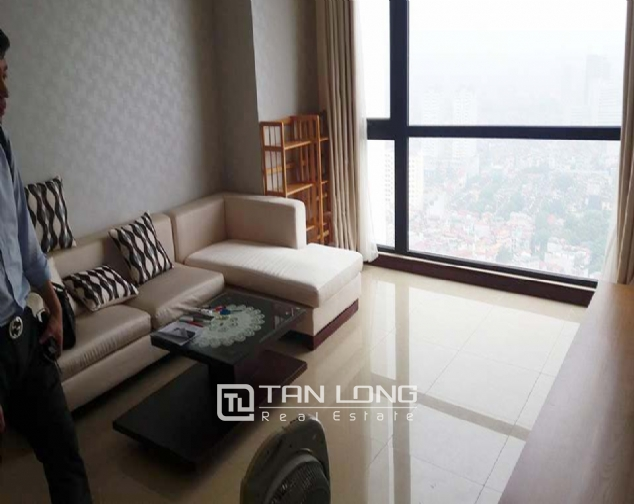 Nice 3 bedroom apartment to lease in R4 Royal City 1