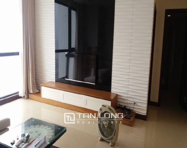 Nice 3 bedroom apartment to lease in R4 Royal City 2