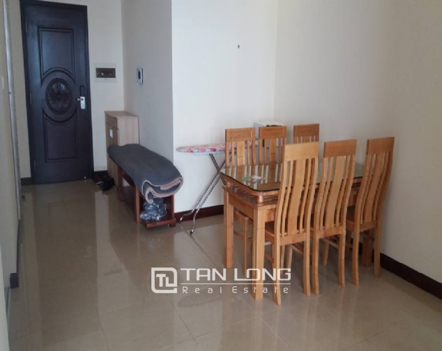 Nice 3 bedroom apartment to lease in R4 Royal City 3