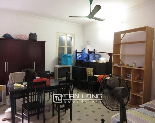 Nice 3 storey villa with big courtyard for rent in Tong Duy Tan, Ba Dinh, Hanoi 4